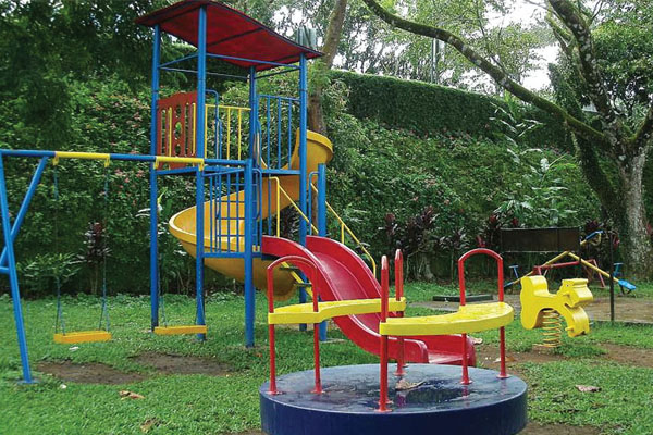 Pioneer-Moonstone-childrenplay area
